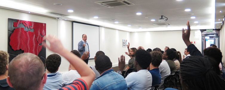 Peter Wingrove in talk with GSB MBA 2019 classes